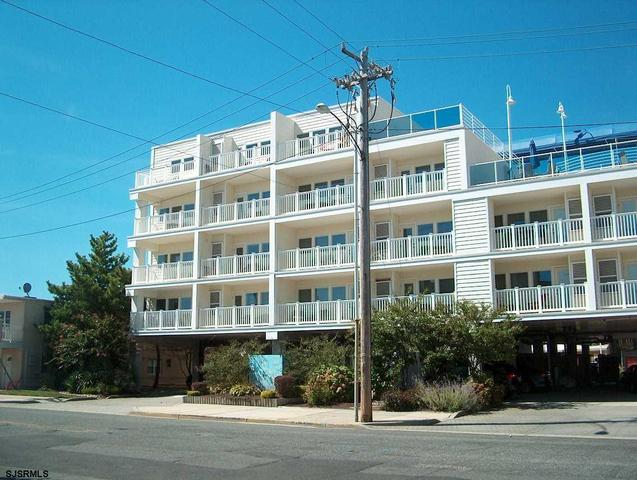 812-820 Ocean Ave #302, Ocean City, NJ 08226
