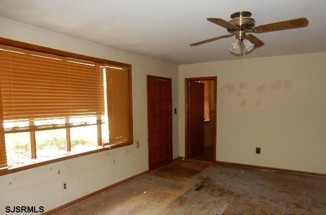 6 Pinedale Avenue, Egg Harbor Township, NJ 08234