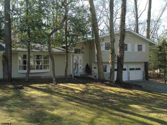 211 Forest Dr, Linwood, NJ 08221