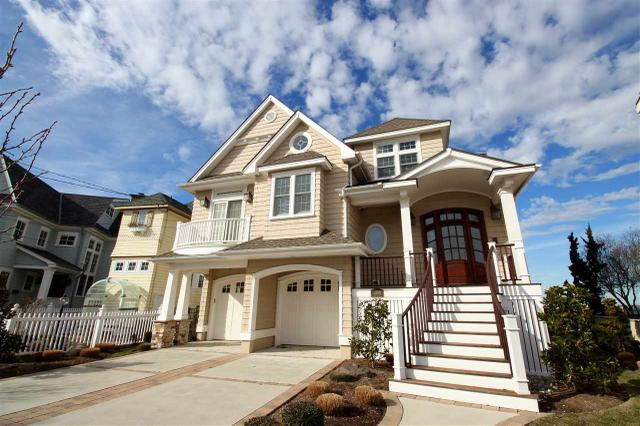 208 Bay Rd, Ocean City, NJ 08226