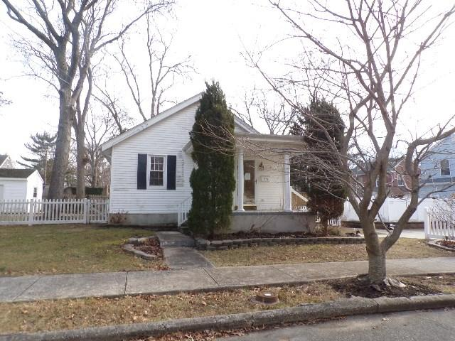 266 Seminole Ave, Absecon, NJ 08201