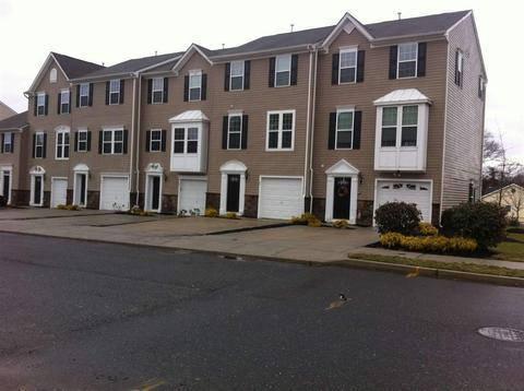 2102 E Oak Rd #J4, Vineland, NJ 08361