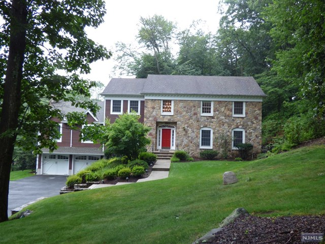 206 Terrace Rd, Franklin Lakes, NJ