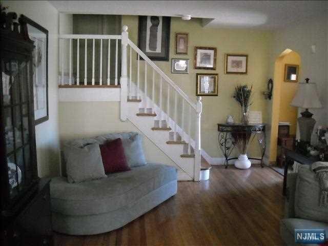 158 Cranford Place, Teaneck, NJ 07666