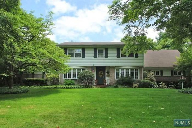 456 Ellis Pl, Wyckoff, NJ