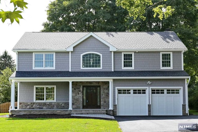 2 Quackenbush Ln, Park Ridge, NJ