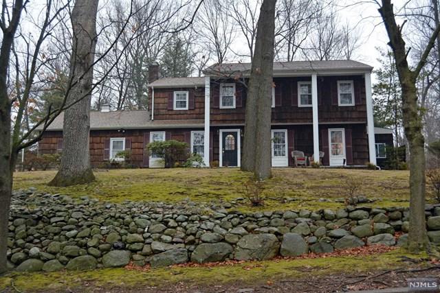 558 Colonial Rd, Westwood, NJ