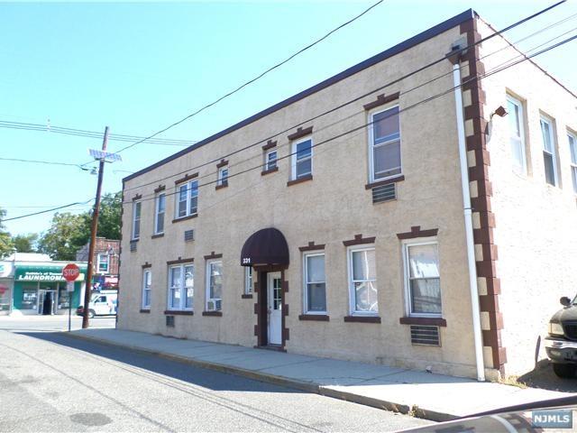 331 Pleasant Pl, Teaneck, NJ
