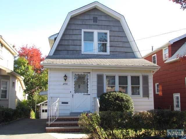 286 Willow Ave, Lyndhurst, NJ