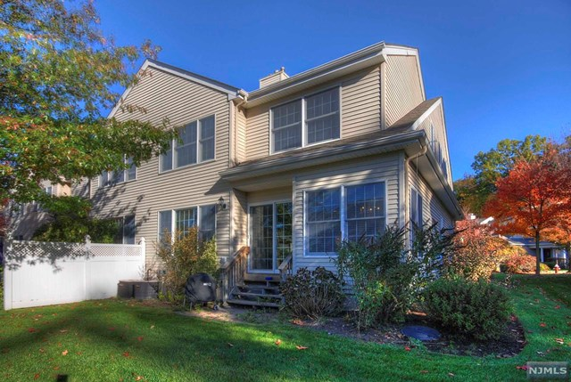 134 Carriage Ct, Allendale NJ 07401