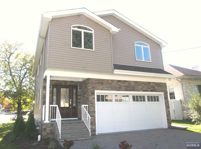 68 Delford Ave, Bergenfield, NJ