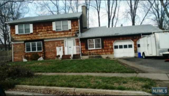 271 Fairlamb Ave, South Plainfield NJ 07080