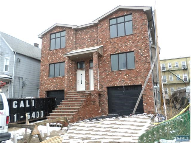 226 Washington Pl, Cliffside Park, NJ