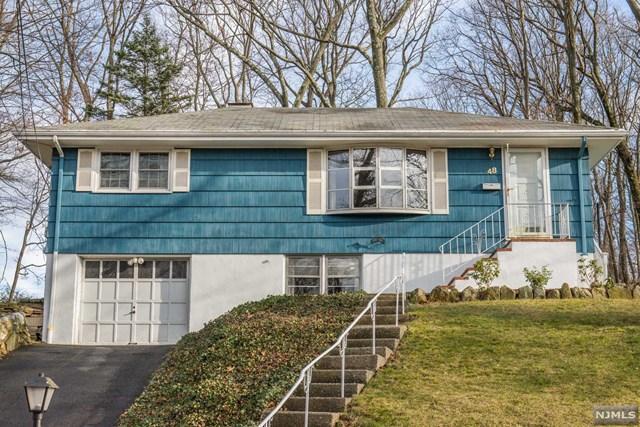 48 Knolls Rd, Bloomingdale NJ 07403