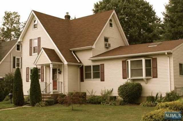 197 Vreeland Ave, Bergenfield, NJ