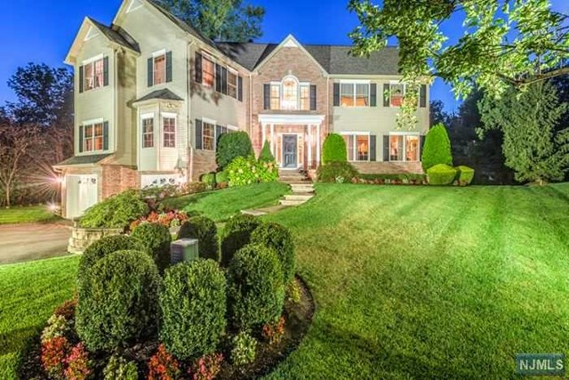 11 Frederick Ct, Park Ridge, NJ