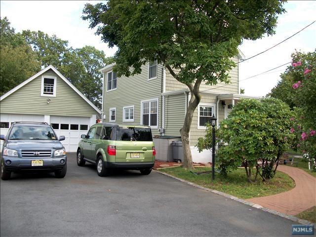426 Summit St, Norwood, NJ 07648