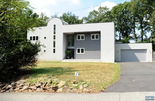 312 Crestmont Rd, Cedar Grove, NJ 07009