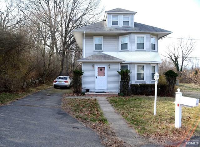 176 Oakwood Ave, Haledon, NJ