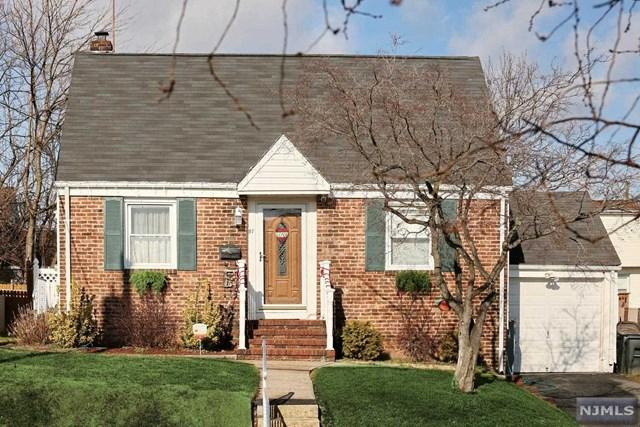 87 Palsa Ave, Elmwood Park NJ 07407