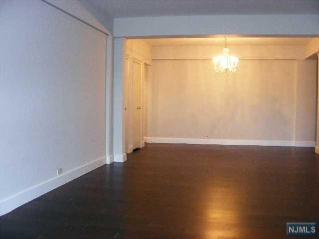 10 Crestmont Rd #1D, Montclair, NJ 07042