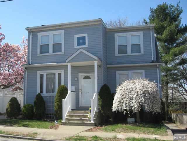29 Young Ave, Totowa, NJ