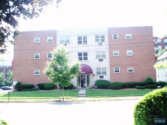 960 Main St #10, Hackensack, NJ 07601