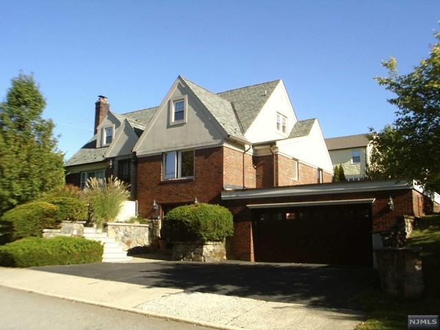 104 Raymond St, Hasbrouck Heights NJ 07604