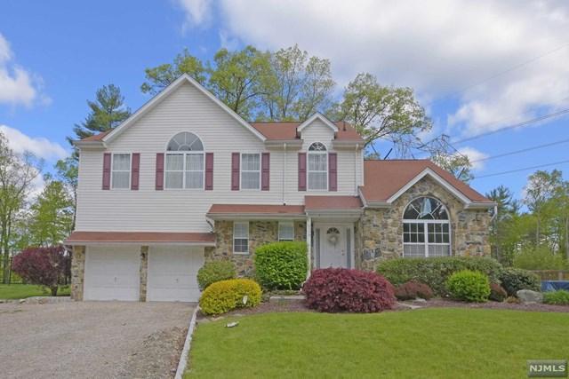108 Continental Rd, West Milford NJ 07480