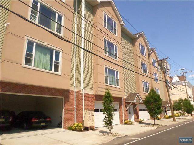 562 52nd St #404, West New York, NJ 07093