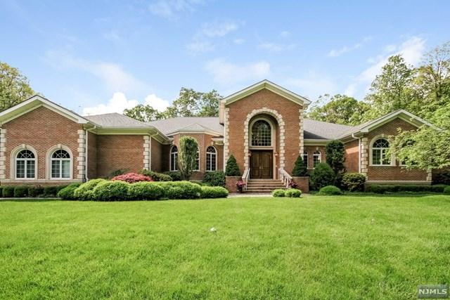 896 Colonial Rd, Franklin Lakes, NJ