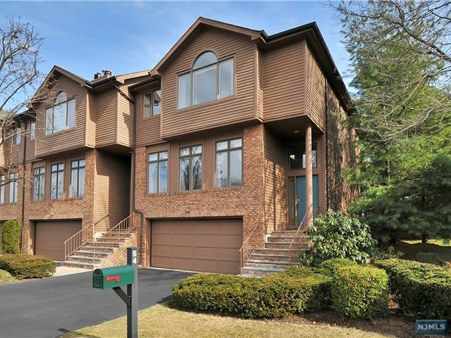 54 Lakeview Dr, Old Tappan, NJ 07675