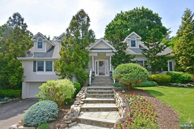927 W Pines Lake Dr, Wayne, NJ 07470