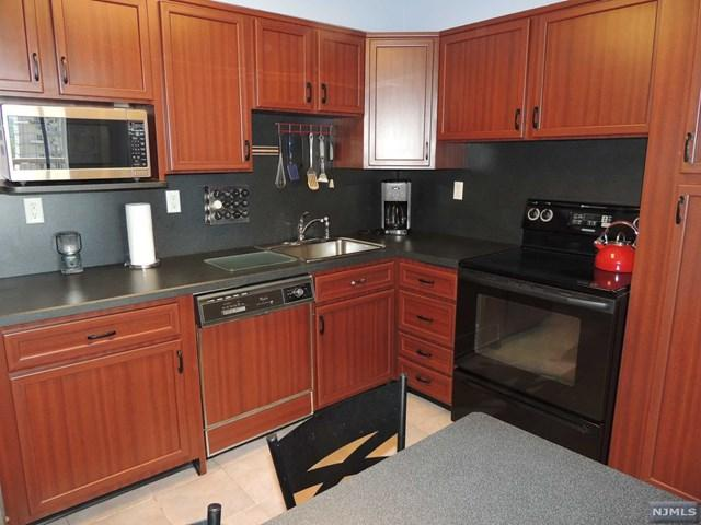 151 Prospect Ave #10F, Hackensack, NJ 07601
