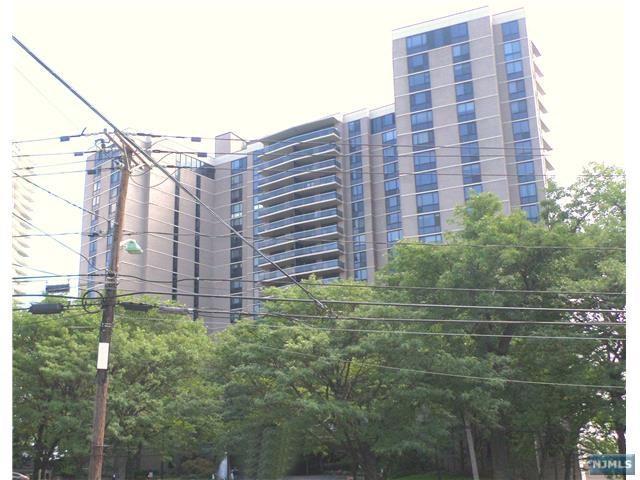 903 Hudson Park, Edgewater,  07020