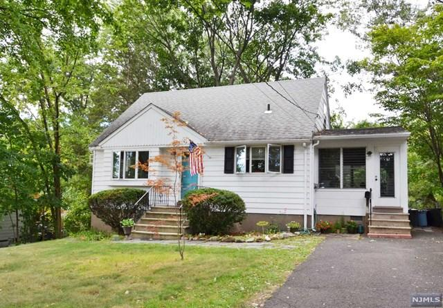 34 Brookside Pl, Hillsdale, NJ 07642
