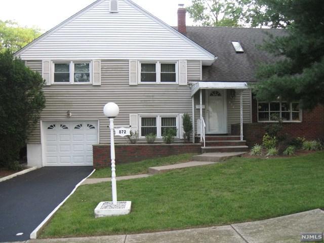872 Barbara Dr, Teaneck, NJ 07666