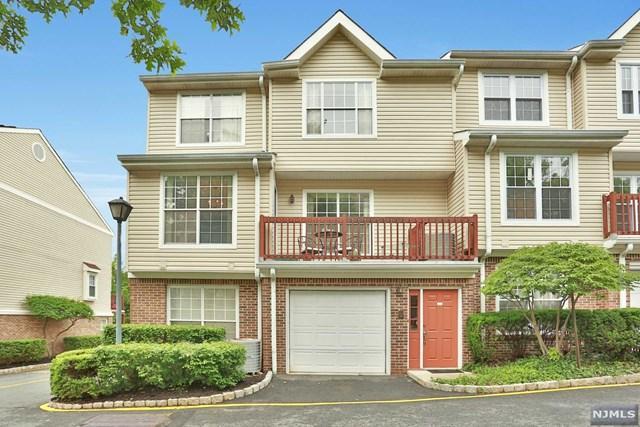 255 Village Circle Dr #255, Fort Lee, NJ 07024