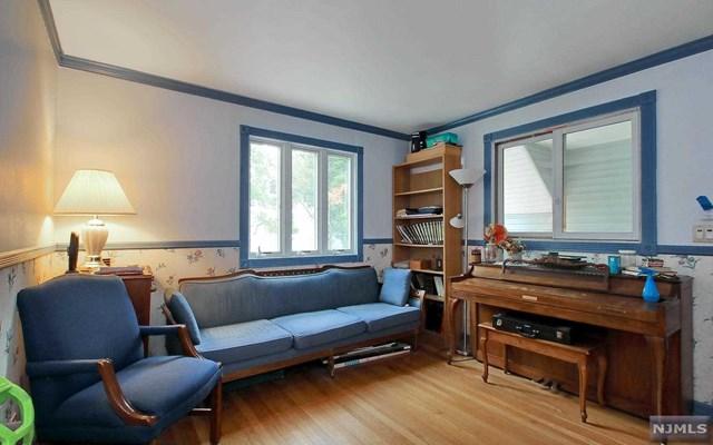 18 Sunrise Terrace, Bergenfield, NJ 07621
