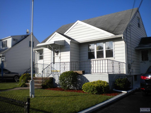 92 Ottawa Ave Hasbrouck Heights, NJ 07604