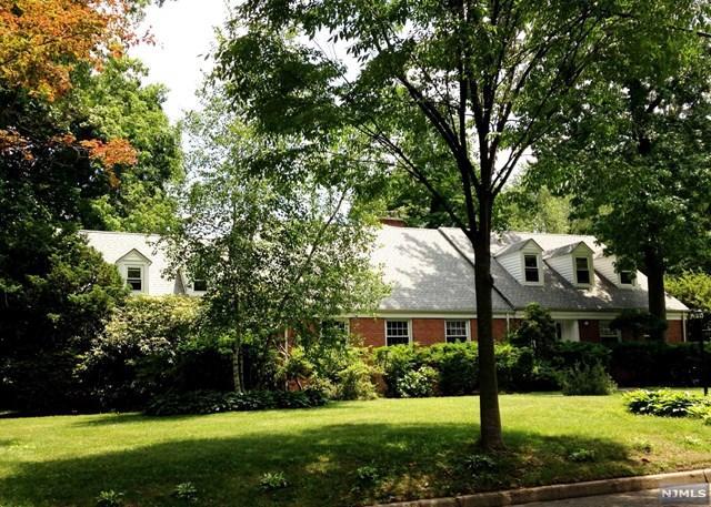 1271 Alicia Ave, Teaneck, NJ 07666