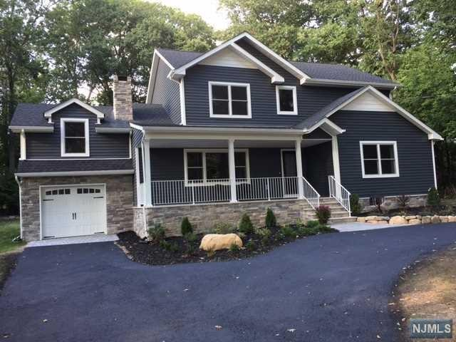 350 Forest Rd, Mahwah, NJ 07430
