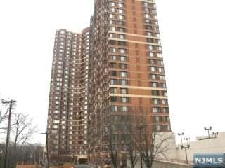 100 Old Palisade Rd #1802, Fort Lee, NJ 07024