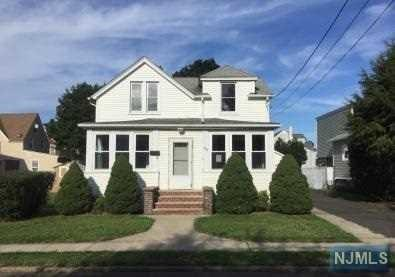 71 E 54th St, Elmwood Park, NJ 07407