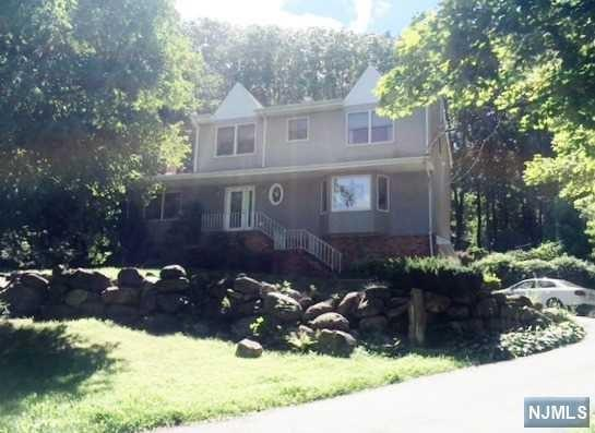 172 Vreeland Rd, West Milford, NJ 07480