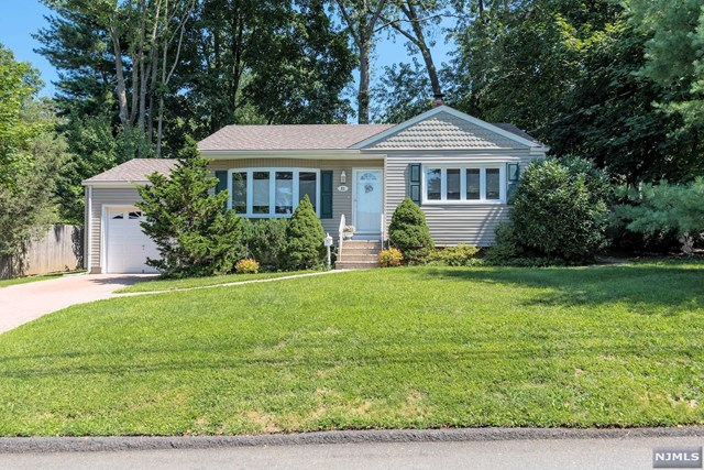51 Crescent Street, Closter, NJ 07624