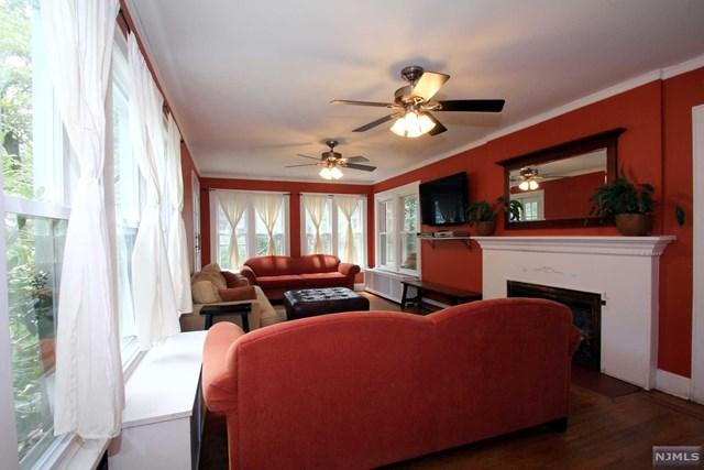 136 Highgate Terrace, Bergenfield, NJ 07621
