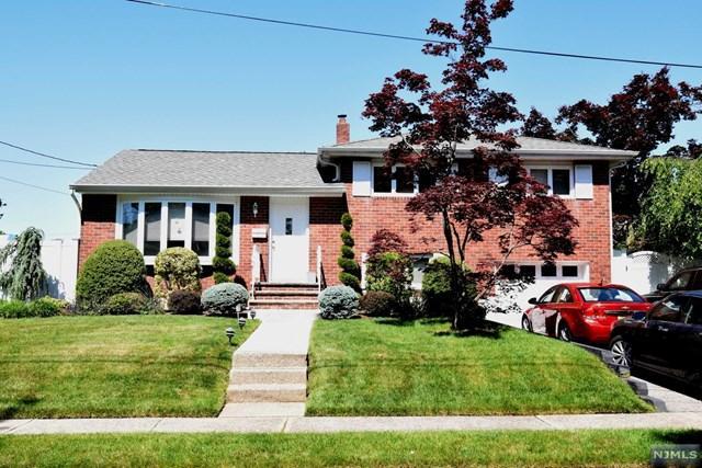 60 Pleasant St, Dumont, NJ 07628