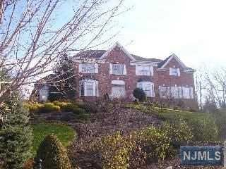 25 Vizcaya Ct, Wayne, NJ 07470
