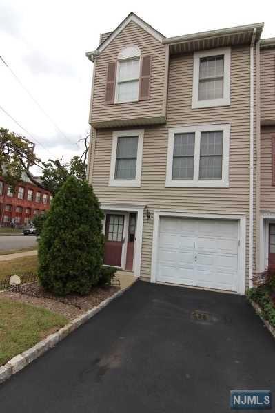 37 Greenwood Lake Street, Newark, NJ 07104